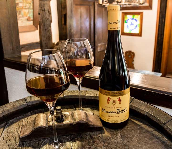 Appellation Vins d'Alsace - Pinot Noir Alsace Sang du Dragon - François Baur