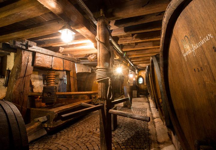 Vin Alsace Baur - Cave